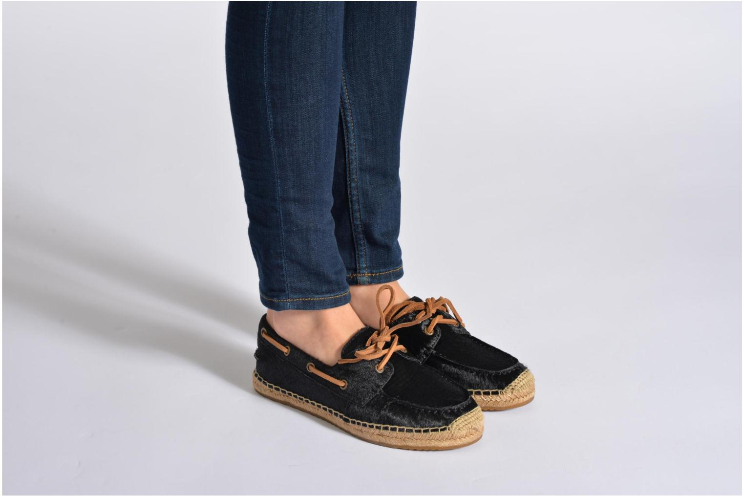 Espadrilles UGG Corris Calf Hair Scales Black view from underneath / model view
