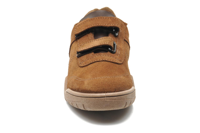 Baskets UMO Confort Atoll Marron vue portées chaussures