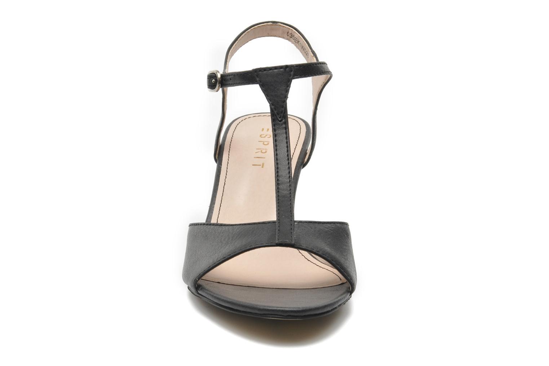 Sandalen Esprit Tessa Sandal 020 schwarz schuhe getragen