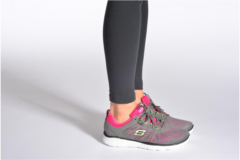 Sneaker Skechers Equalizer New Milestone 11897 grau ansicht von unten / tasche getragen