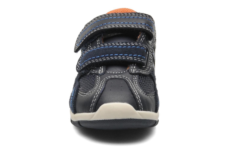 Sneaker Geox B SHAAX B. A - VIT.LISCIO+MESH blau schuhe getragen