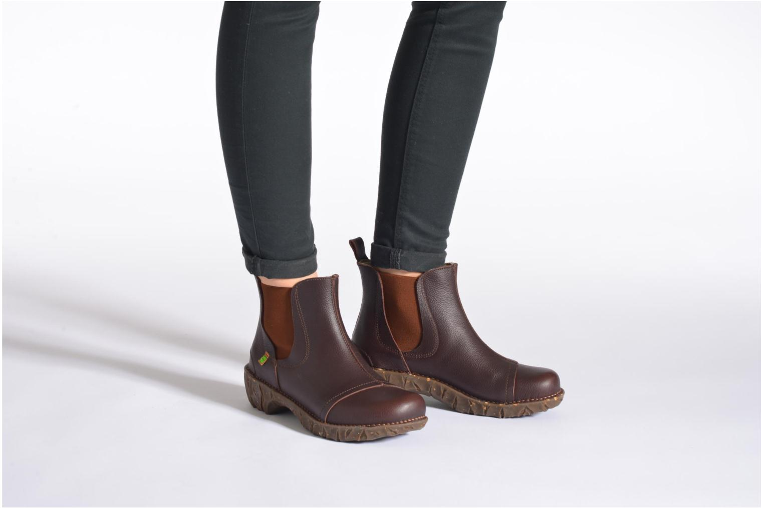 Ankle boots El Naturalista Yggdrasil N158 Black view from underneath / model view