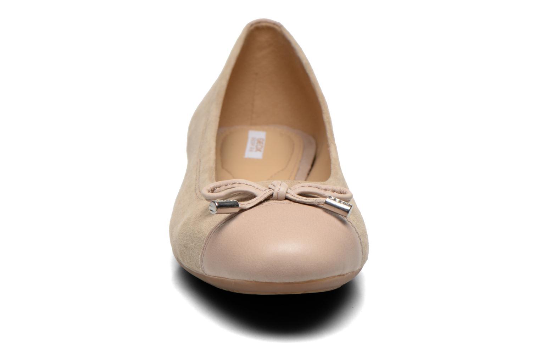Ballerina's Geox D LOLA A D93M4A Beige model