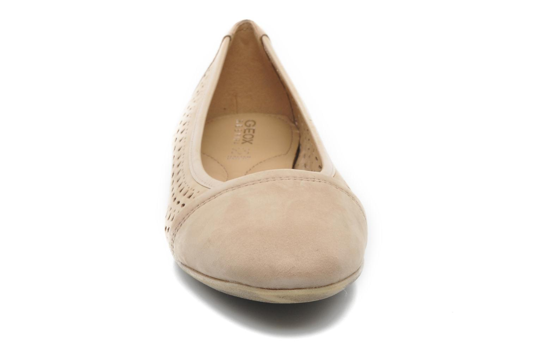 Ballerines Geox D RITVA B D5278B Beige vue portées chaussures