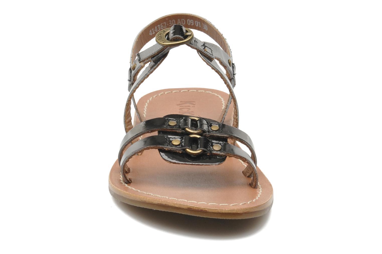 Sandales et nu-pieds Kickers DIXNEUF Noir vue portées chaussures