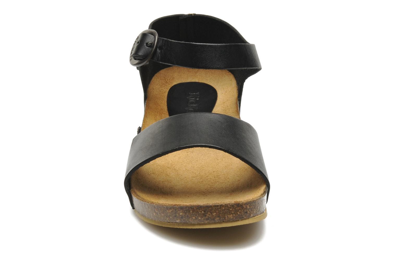 Sandaler Kickers BOMBERA Sort se skoene på