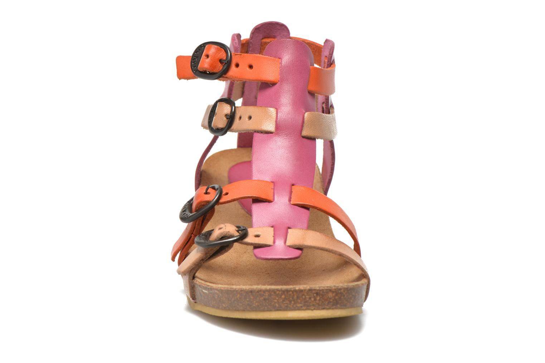 Sandales et nu-pieds Kickers BOMDIA Rose vue portées chaussures