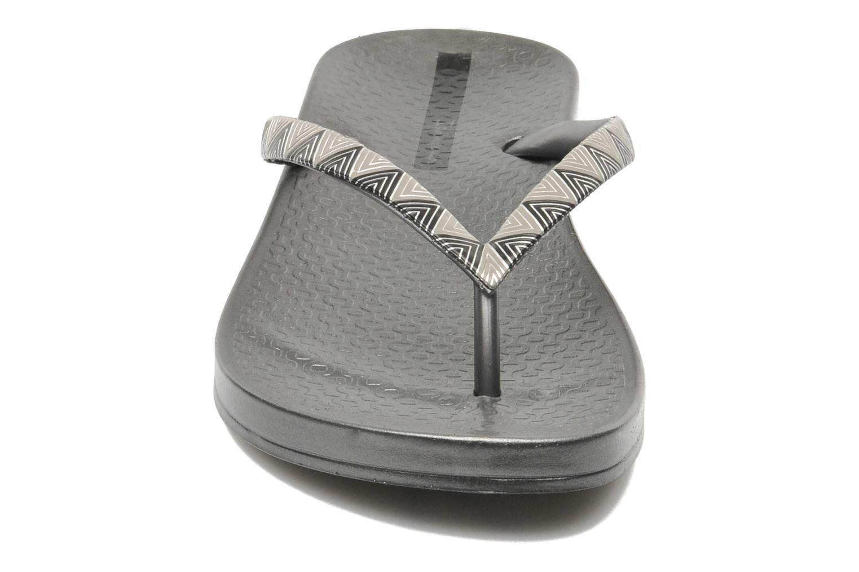 Tongs Ipanema Metalic III Argent vue portées chaussures