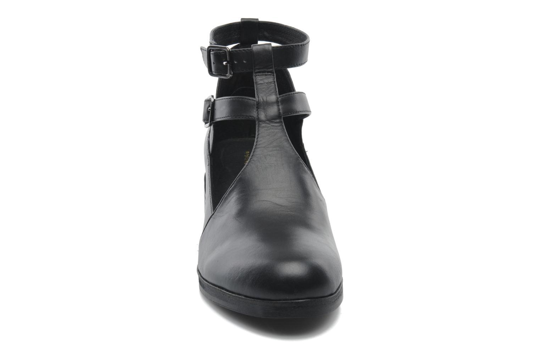 Bottines et boots Intentionally blank Clarke Noir vue portées chaussures