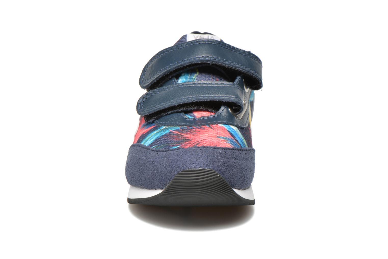 Baskets Veja ARCADE SMALL B MESH VELCRO Multicolore vue portées chaussures