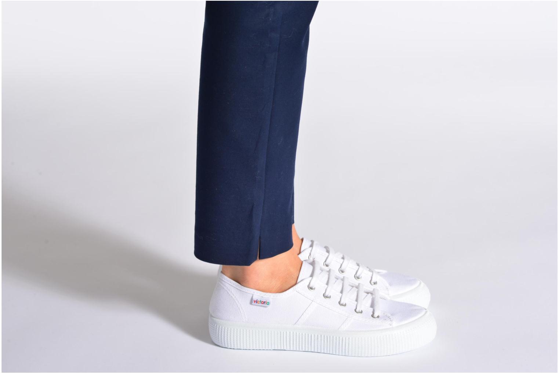 Sneaker Victoria Blucher Lona Gruesa blau ansicht von unten / tasche getragen