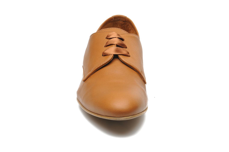 Chaussures à lacets Georgia Rose Amuk Marron vue portées chaussures