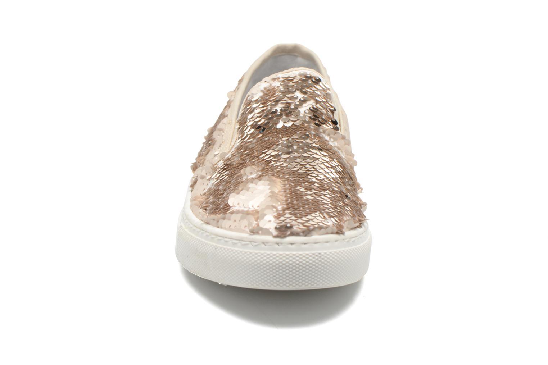 Sneakers Georgia Rose Periette Oro e bronzo modello indossato