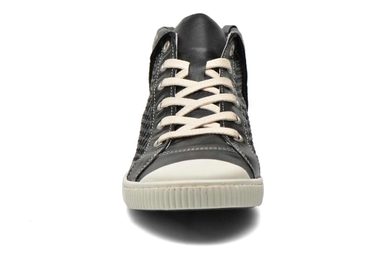 Baskets Pataugas Bambi F Noir vue portées chaussures