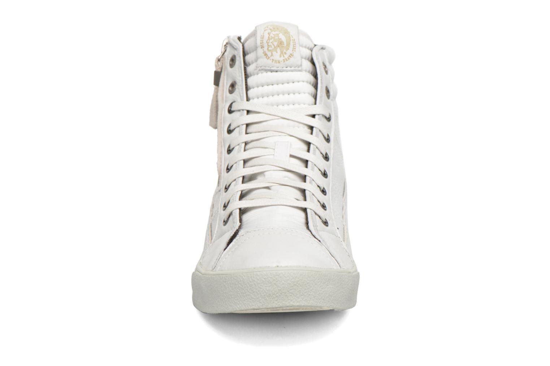 Baskets Diesel D-String Plus Blanc vue portées chaussures