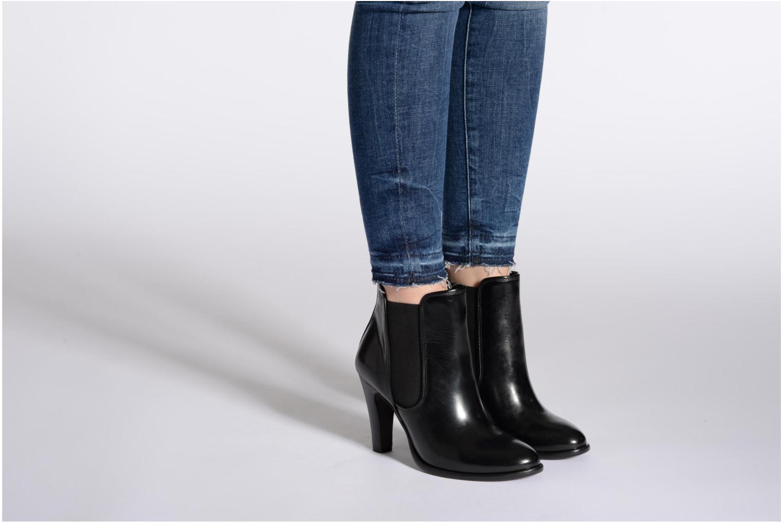 Bottines et boots Buffalo Laura Noir vue bas / vue portée sac