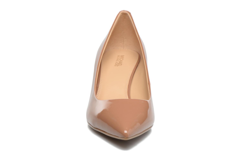 Escarpins Michael Michael Kors Mk Flex Kitten Pump Marron vue portées chaussures