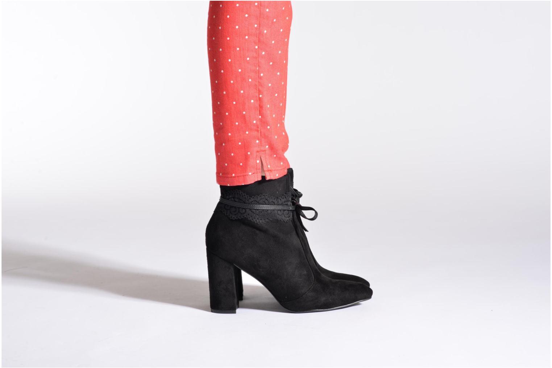 Bottines et boots Molly Bracken Patsy Noir vue bas / vue portée sac