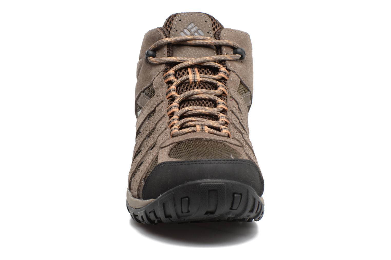 Chaussures de sport Columbia Redmond Mid Waterproof Marron vue portées chaussures