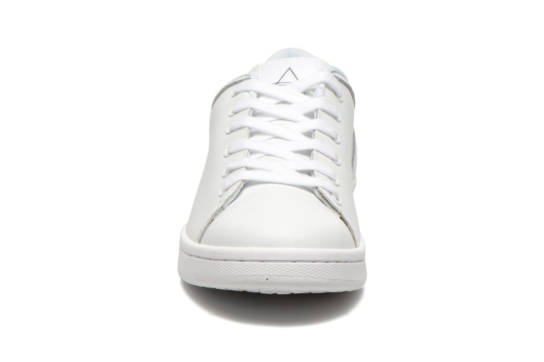 Baskets Eleven paris 11PRS Blanc vue portées chaussures