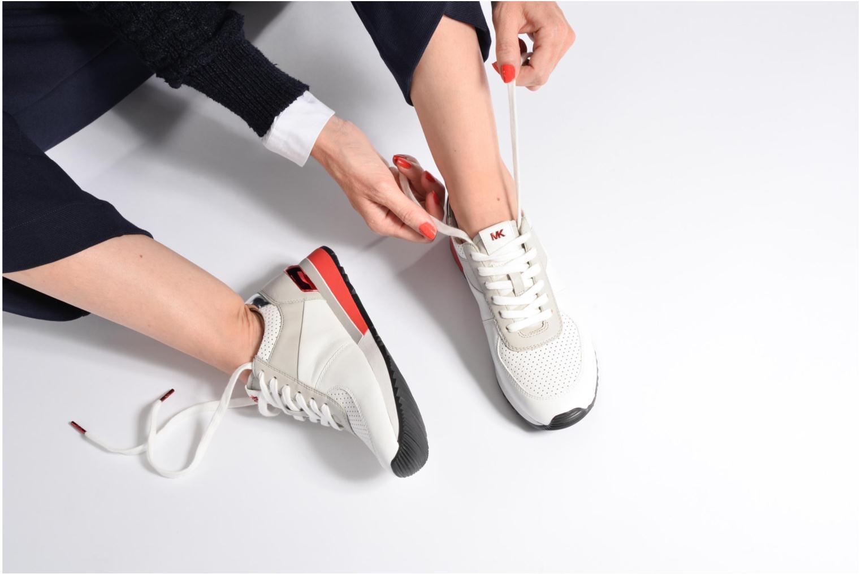 Baskets Michael Michael Kors Allie trainer Blanc vue bas / vue portée sac