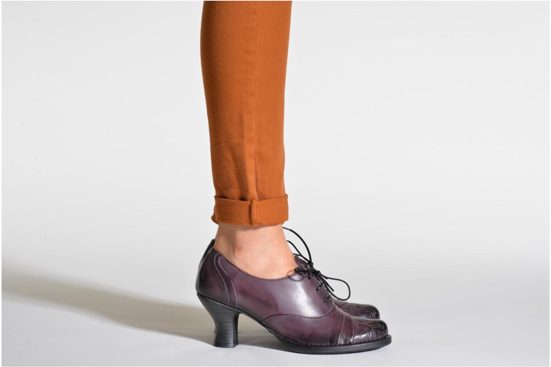 Chaussures à lacets Neosens Rococo S845 Noir vue bas / vue portée sac