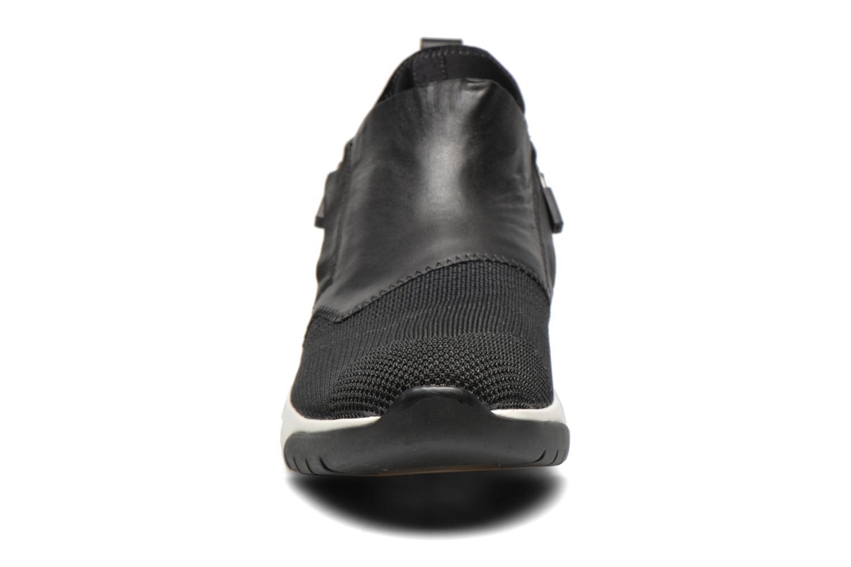 Baskets Ash Shu Noir vue portées chaussures