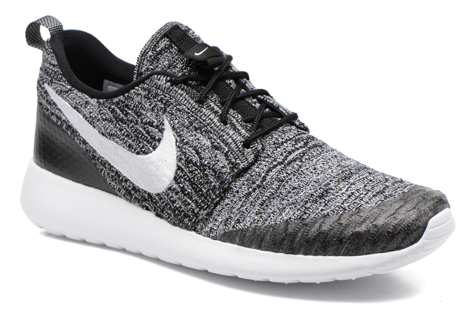 Wmns Roshe One Flyknit Black/White-Cool Grey
