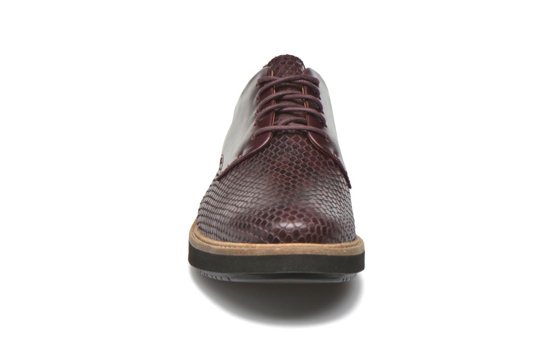 Chaussures à lacets Clarks Glick Darby Bordeaux vue portées chaussures