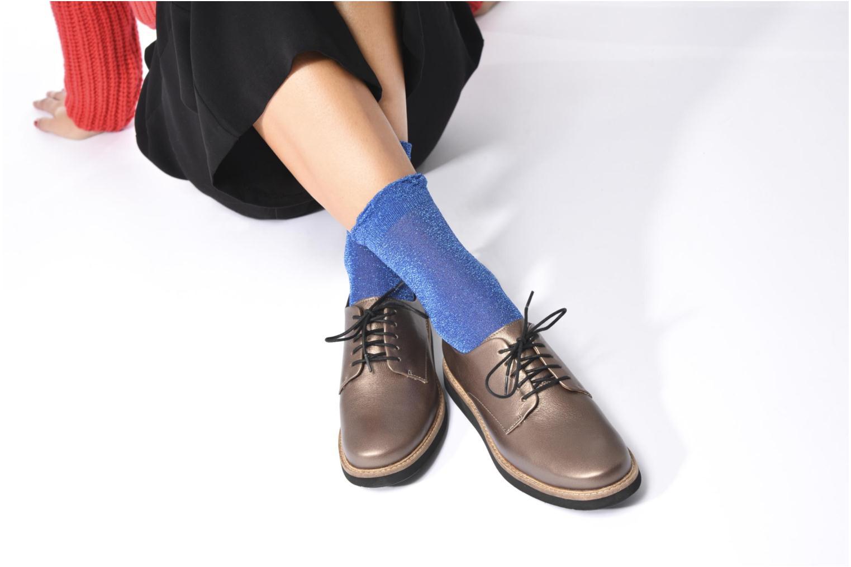 Chaussures à lacets Clarks Glick Darby Beige vue bas / vue portée sac