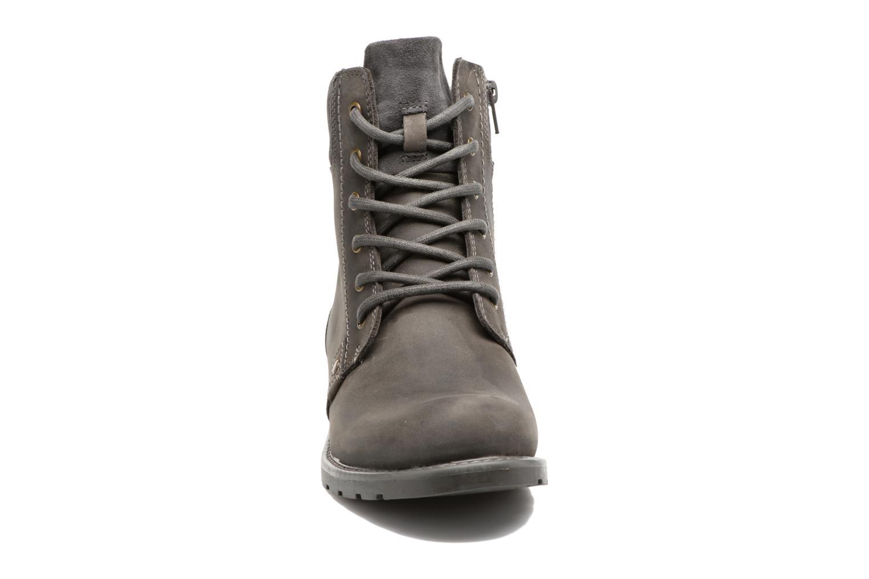Bottines et boots Clarks Orinoco Spice Gris vue portées chaussures