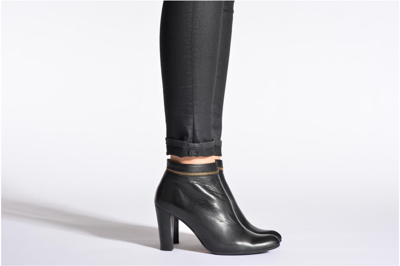 Bottines et boots Georgia Rose Semikat Noir vue bas / vue portée sac
