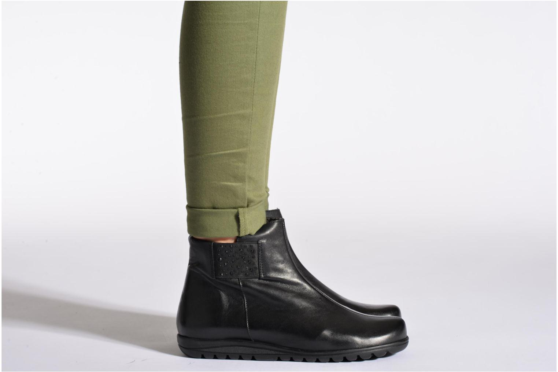 Bottines et boots Fluchos Evel 9166 Noir vue bas / vue portée sac