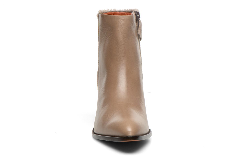Bottines et boots Elizabeth Stuart Java 901 Beige vue portées chaussures