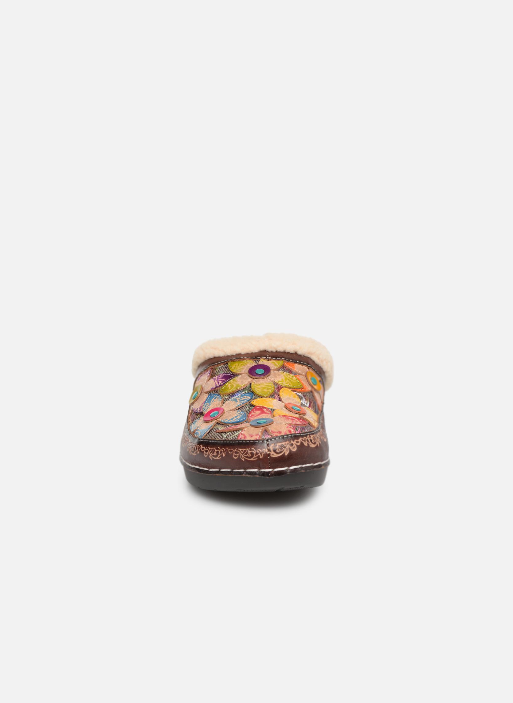 Slippers Laura Vita Trema Multicolor model view