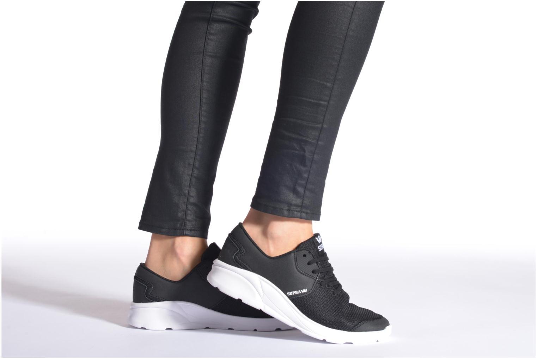 Sneaker Supra Noiz W schwarz ansicht von unten / tasche getragen