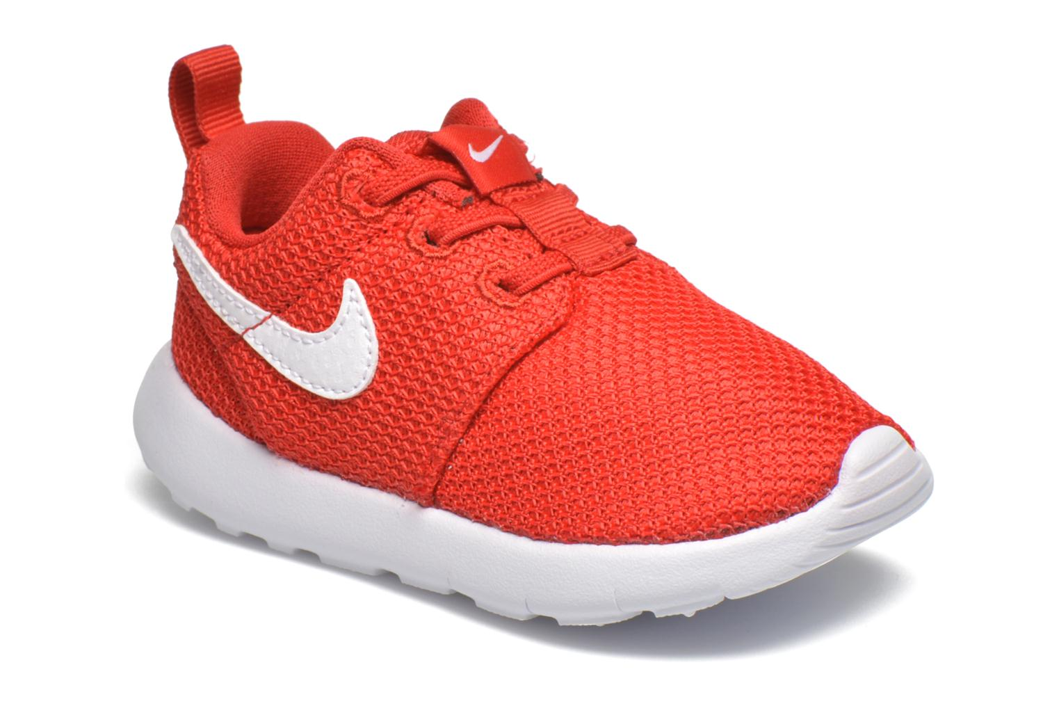 Baskets Nike Nike Roshe One (Tdv) Rouge vue détail/paire