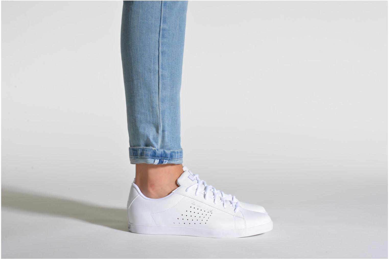 Sneaker Le Coq Sportif Agate Lo Syn Lea weiß ansicht von unten / tasche getragen