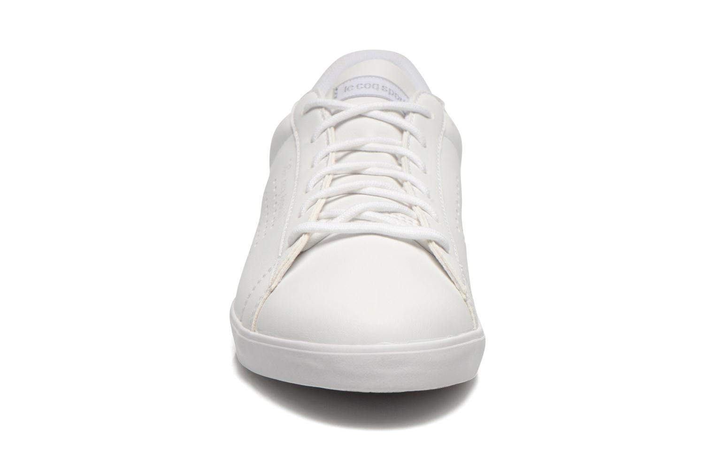 Baskets Le Coq Sportif Agate Lo Syn Lea Blanc vue portées chaussures