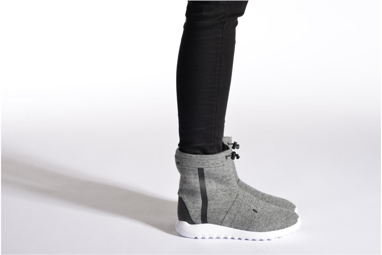 Bottines et boots Nike Wmns Nike Tech Fleece Mid Bordeaux vue bas / vue portée sac