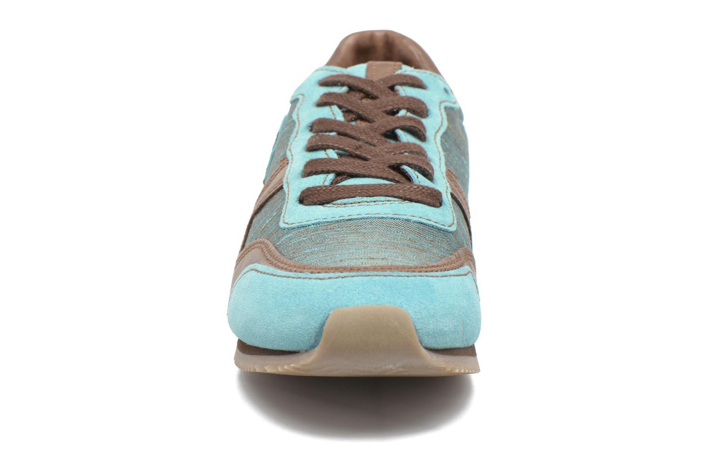 Baskets Pataugas Idol Bleu vue portées chaussures