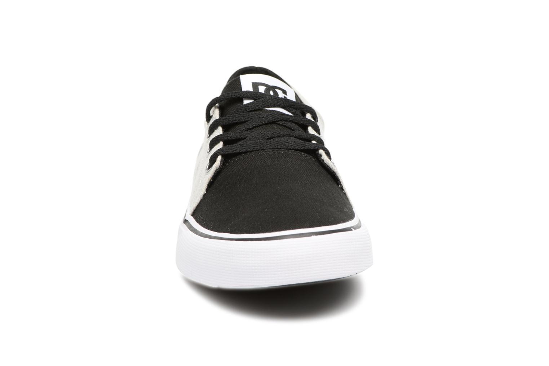 Deportivas DC Shoes TRASE TX Kids Negro vista del modelo