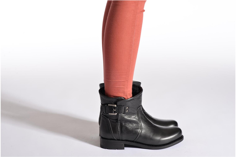 Bottines et boots Blackstone Boot Buckle Fur Noir vue bas / vue portée sac