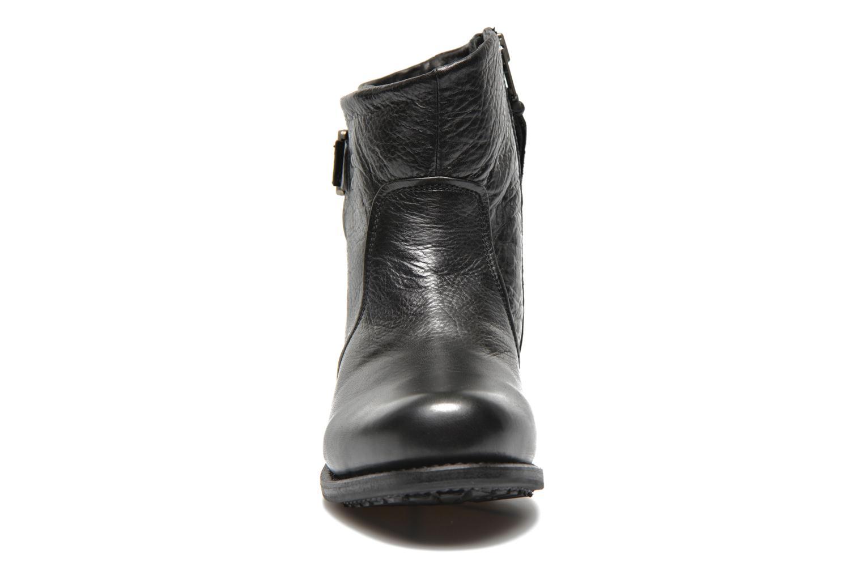 Bottines et boots Blackstone Boot Buckle Fur Noir vue portées chaussures