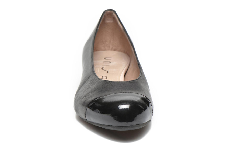 Ballerines Unisa Arnau Noir vue portées chaussures