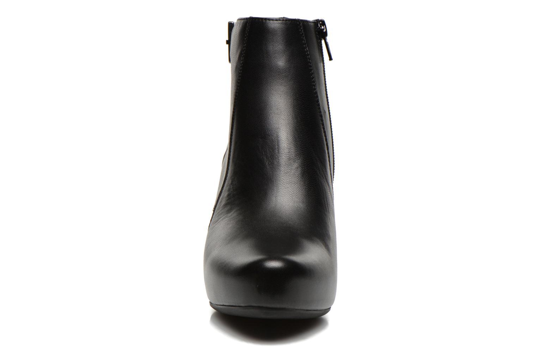 Bottines et boots Unisa Napur Noir vue portées chaussures