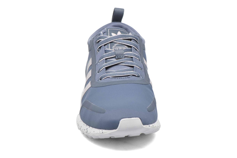 Baskets Adidas Originals Los Angeles W Bleu vue portées chaussures