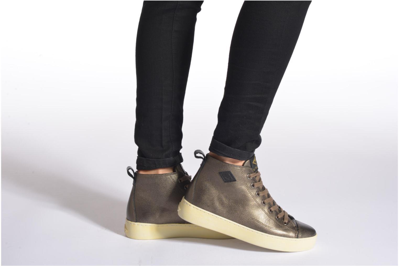 Sneaker P-L-D-M By Palladium Grovetown Got grau ansicht von unten / tasche getragen