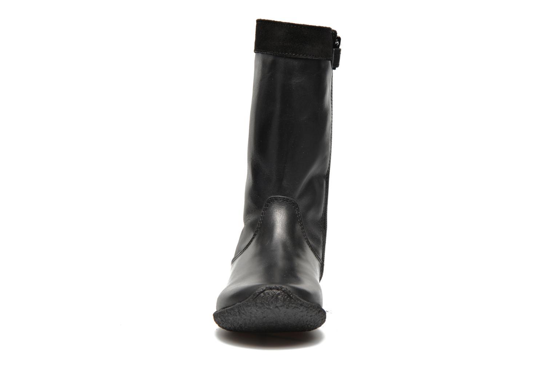 Bottes Kickers Ultra Noir vue portées chaussures