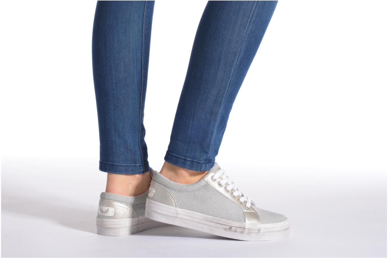 Sneaker Kaporal Flex grau ansicht von unten / tasche getragen